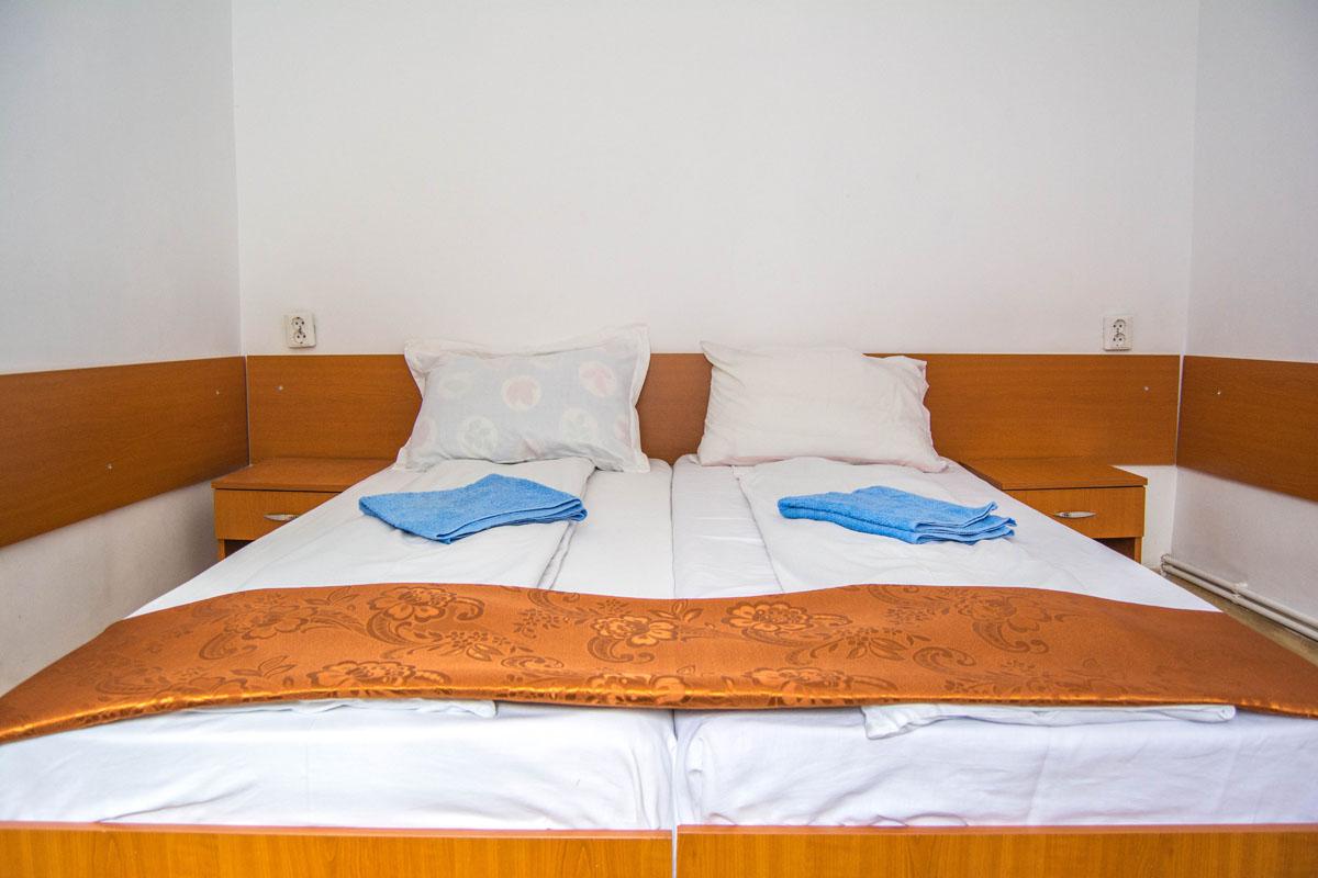 Cazare în cameră triplă - Vila Petre - Stațiunea Straja